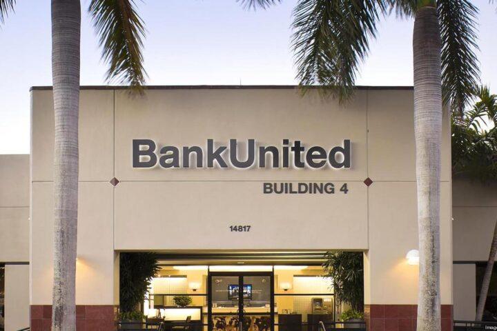 PERSEGUIÇÃO POLÍTICA: Outro banco da Flórida fecha contas de Trump, sem dar qualquer explicação