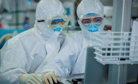 Casi todos los británicos creen que COVID fue filtrado por el laboratorio Wuhan, según nueva encuesta
