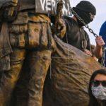"""«Milicia Armada del Partido Demócrata"""": Así llamó Tucker Carlson a los provocadores de disturbios en EE. UU."""