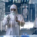 Impactante revelación: el régimen chino habría ocultado desde 2012 en el laboratorio de Wuhan un virus muy similar al coronavirus