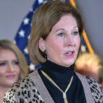 """Los 5 argumentos de Sidney Powell para denunciar """"fraude masivo"""" en Georgia"""