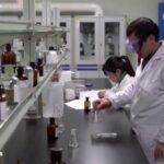 LO OCULTARON: Trabajadores del laboratorio de Wuhan tuvieron SÍNTOMAS similares al VIRUS PCCH antes del brote, revela informe