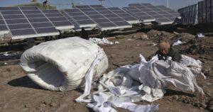 Hipocresía ambientalista: el régimen chino esclaviza a minorías para tener energía solar