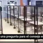 DESCONCERTANTE VIDEO: Maestra muestra cómo los pupitres están armados con «escudos» de plexiglás