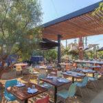 Popular restaurante de California se impone ante las restricciones y se niega a cerrar