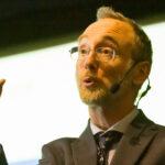 Profesor sueco abandona investigación sobre la baja amenaza del virus PCCh en niños tras recibir mensajes hostiles