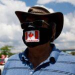 Autoridades canadienses dan marcha atrás en las restricciones extremas del COVID después de que la policía se niegue a aplicarlas