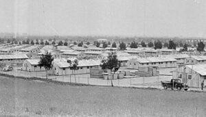 Crisis total: Administración de Biden comenzará a alojar a niños migrantes en un antiguo campo de concentración japonés
