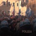 «Solo queremos trabajar»: Empresarios protestaron por las restricciones frente al Parlamento italiano (Video)