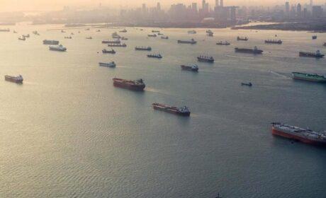 Continua el millonario negocio petrolero oculto entre los regímenes de Venezuela, Irán y China
