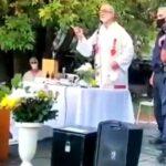 Argentina: Policía interrumpe una misa al aire libre en la que niños tomaban su primera comunión