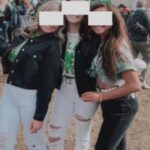 Padres reaccionan contra la Universidad que suspendió a 3 estudiantes por tomarse una foto sin máscara al aire libre