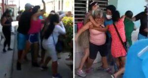 En el 'paraíso COMUNISTA cubano' dos mujeres se pelean por comida (VIDEO)