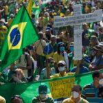«Yo Autorizo al Presidente»: Millones de brasileños salieron a manifestarse en apoyo a Bolsonaro contra las cuarentenas estatales