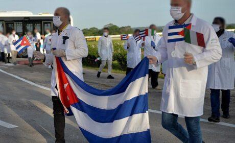 Salud en Cuba: la trata de personas disfrazada de misiones en el extranjero