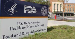 Documento oculto de la FDA sobre vacunas describe terribles efectos secundarios