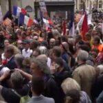 Masivas protestas en Francia contra la dictadura sanitaria impuesta por Macron