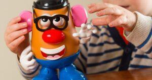 La empresa Hasbro impulsa la propaganda de extrema izquierda con sus juguetes