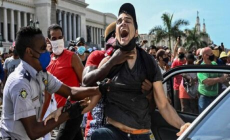 New York Times publicó carta firmada por artistas y políticos a favor de la tiranía cubana
