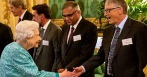 """La Reina Isabel II se une con Bill Gates para """"trabajar juntos contra el Cambio Climático"""""""